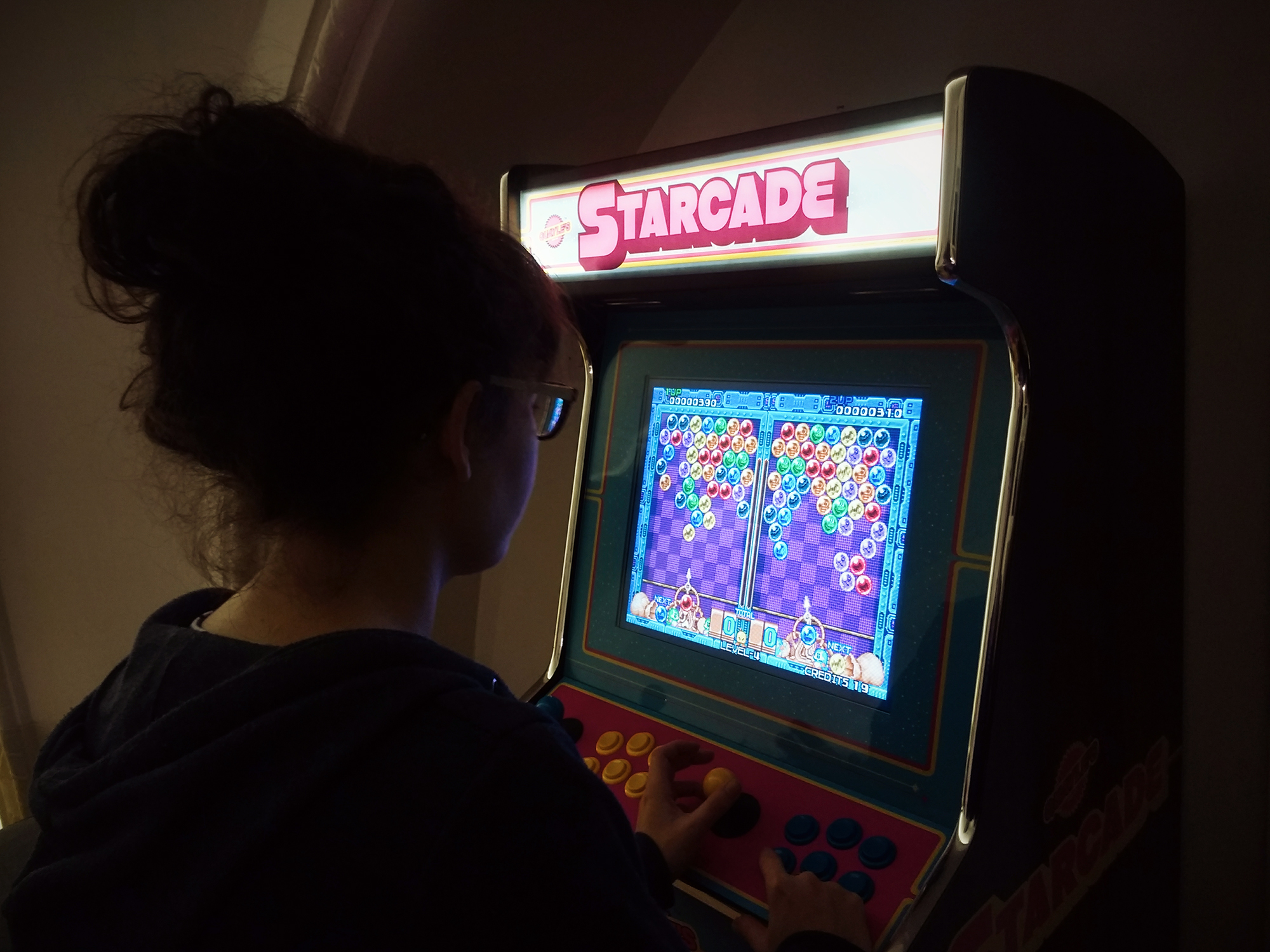 Space Day #4 Tom x Arcade Cabinet - Bright Signals